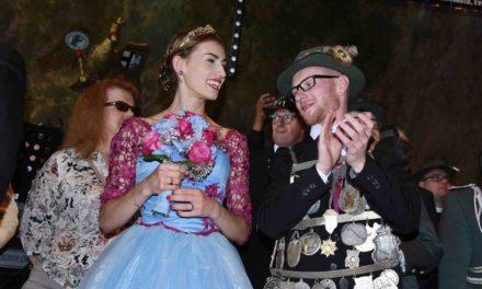 """Balver Schützen feiern ihren König Giacomo wie die Heimkehr eines verlorenen Sohnes und den """"Traum in Blau"""""""