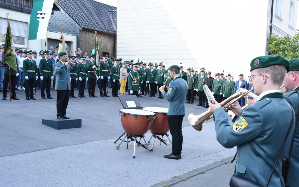 Schützenfest Garbeck: Großer Zapfenstreich und Ehrungen in Bildern