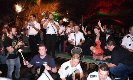 BILDERBOGEN: Rauschende Ballnacht in der Balver Höhle