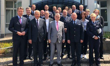 NRW-Innenminister Herbert Reul konnte Polizeigewahrsam nach kurzer Zeit verlassen