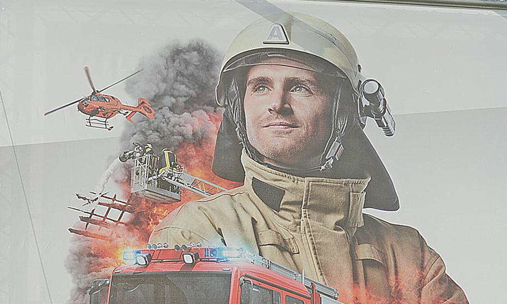Feuerwehr holt Topf vom Herd