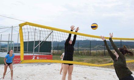 """Heute lustiges Beach-Volleyball-Turnier in L.A. – Auch """"Old Schmetterhand"""" ist dabei"""