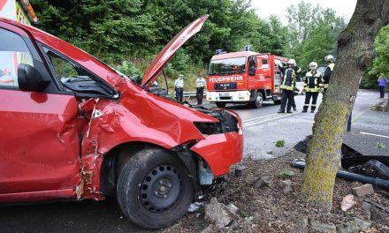 Pkw-Fahrerin aus Balve bei Unfall schwer verletzt
