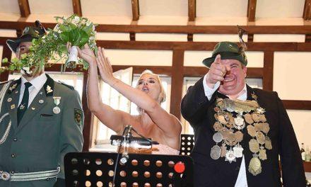 IMPRESSIONEN: Unvergesslicher Empfang des Königspaares Rüth/Drees in der Schützenhalle