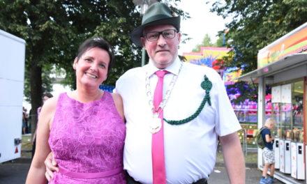 Neues Königspaar Thorsten und Iris Heimann regiert in Amecke