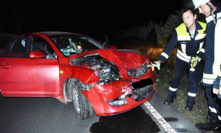 Illegales Autorennen?  – Junger Beckumer bei Crash auf K 14 verletzt