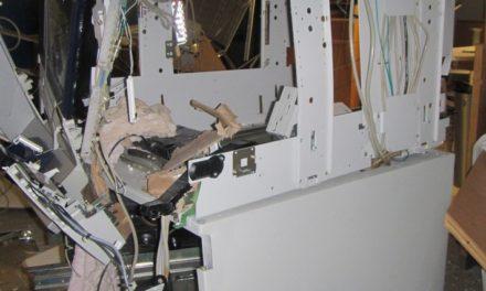 AFFELN: Ganoven sprengen Volksbank-Geldautomat