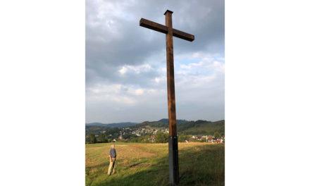 Morgen Segnung des Wachtlohkreuzes – Infotafel irreführend