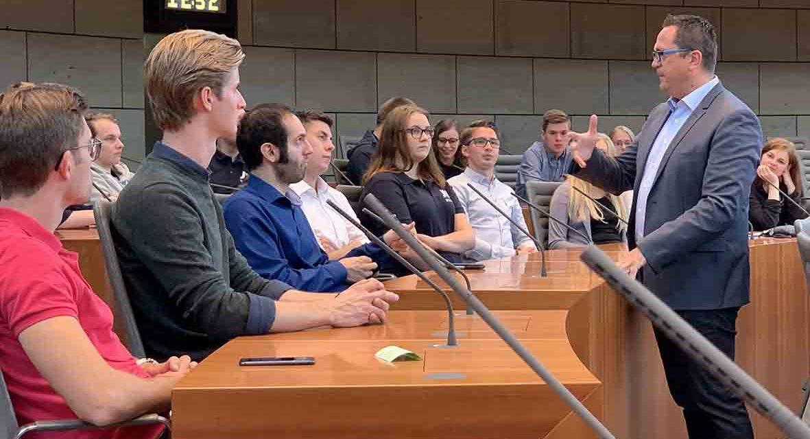 MdL Voge gewährt JU tolle Einblicke in NRW-Landtag