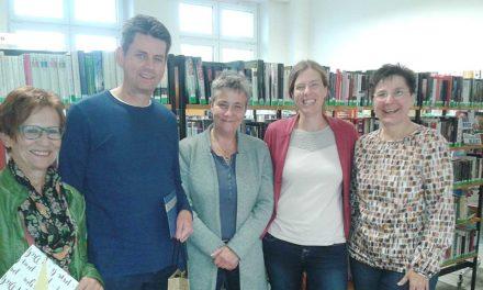 Bücherei Balve: Viel Lob für 22-jährige ehrenamtliche Arbeit im FV-Vorstand