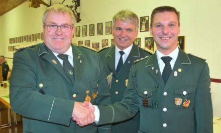 Hohe Auszeichnung für Garbecker Schützenoffizier