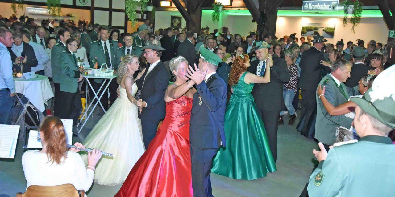 MELLEN: Schöne Momente vom Königs- und Offiziersball – TEIL 2