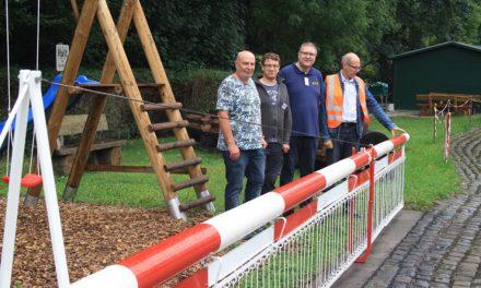 EISENBAHNGESCHICHTE: Historische Bahnschranke restauriert