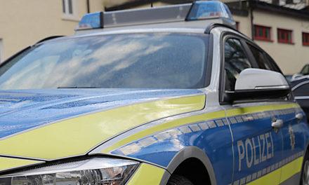 Nach Verfolgungsjagd sucht Polizei zwei Zeugen