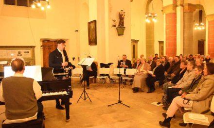 Zwei Freunde aus Berlin begeistern mit Pröpper-Liedern