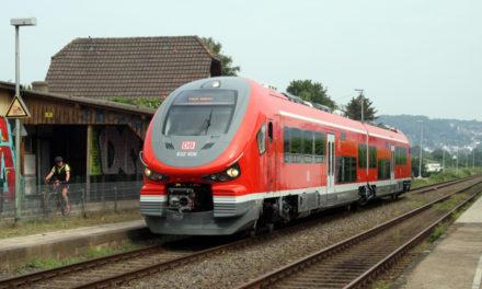 Eisenbahnfreunde Hönnetal stinksauer auf die Bahn – Immer noch Schienen-Ersatzverkehr