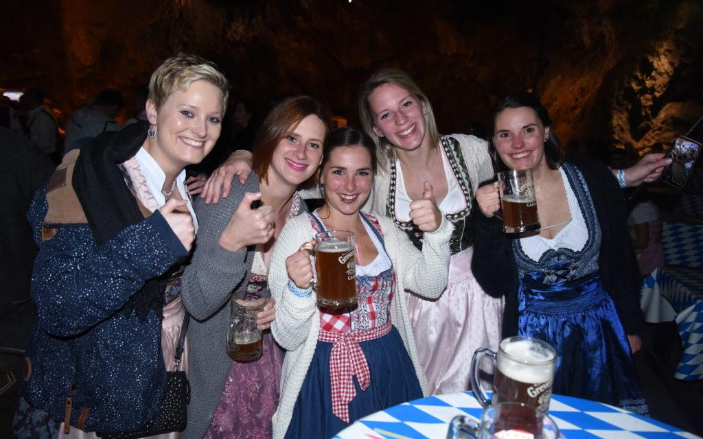 FOTOGALERIE: Farbenprächtiges Oktoberfest in Balver Höhle – TEIL 2