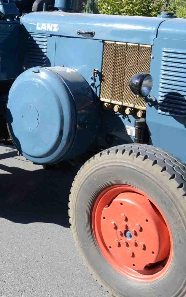 Traktor-Steuergeräte entwendet