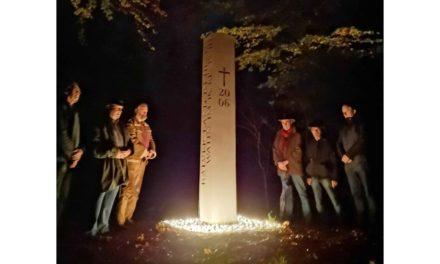 EILMELDUNG: NHV gedenkt 300 ermordeten Menschen an Hexenstele mit 300 Grablichtern