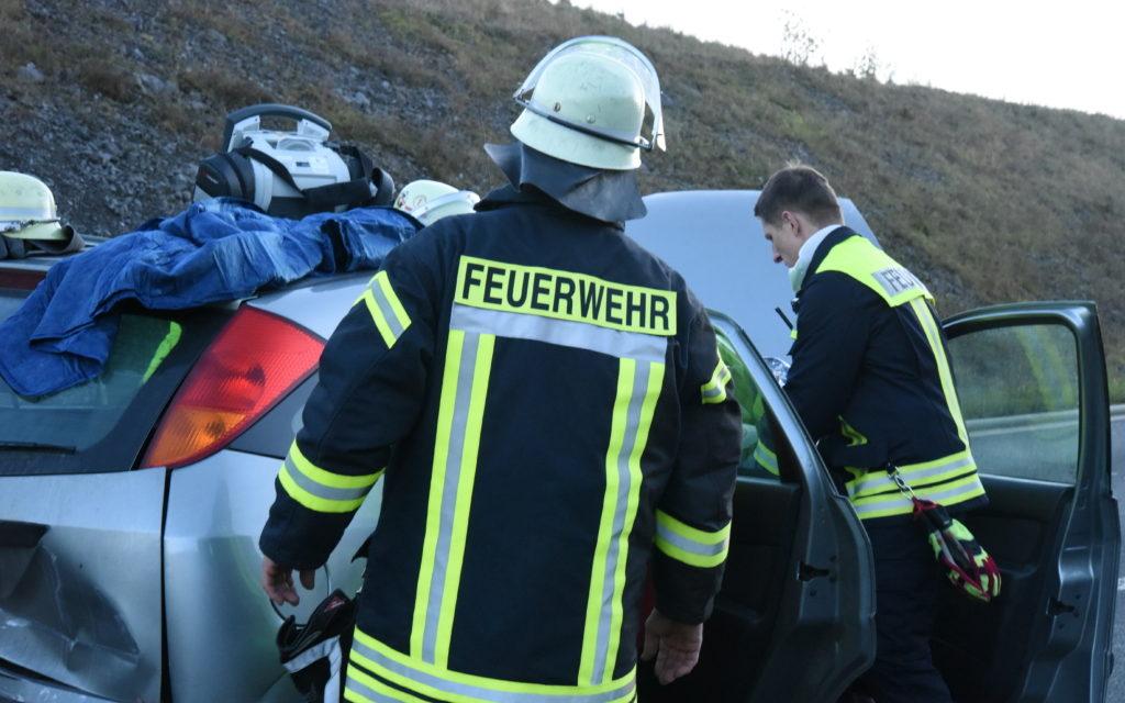 FOTOGALERIE UNFALL GARBECK: Immer wenn sie gebraucht werden, sind sie da – auch heute: Balver Feuerwehr