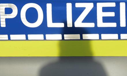 Anhänger löst sich von Pkw – 10.000 Euro Schaden