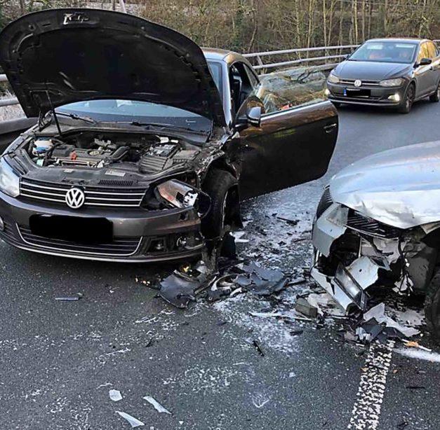Pkw-Fahrer aus Menden ist für Crash im Hönnetal verantwortlich