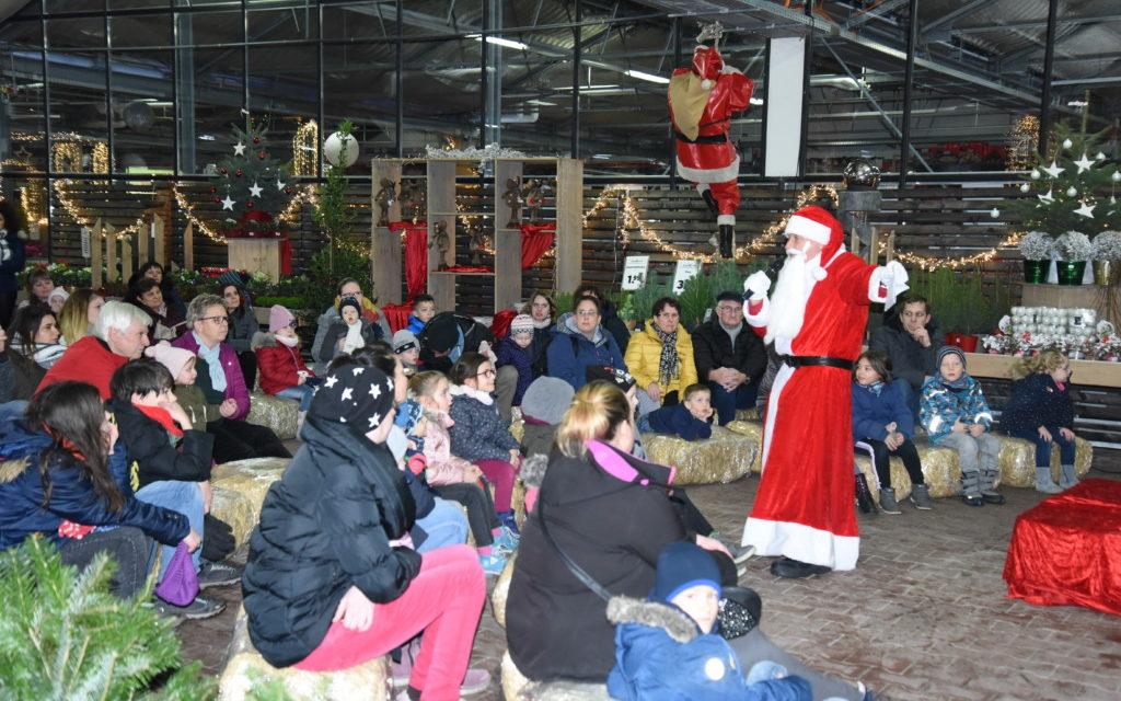 Hagebaumarkt: Nikolaus erzählt Kindern spannende Geschichte