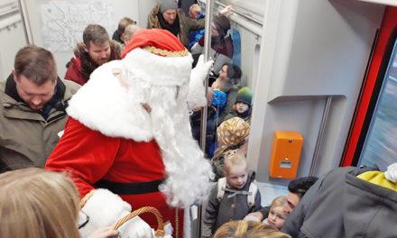 EILMELDUNG: Rund 1.400 Personen begleiten Hl. Abend den Weihnachtsmann auf Fahrt mit Hönnetalbahn
