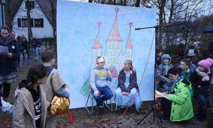 Weihnachtsmarkt St.-Johannes-Grundschule Balve in bunten Bildern
