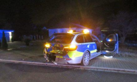Taxifahrer prallt auf Streifenwagen – Vier Verletzte