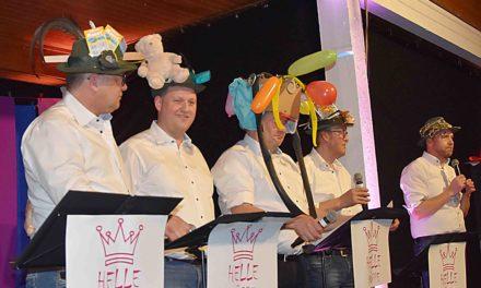 """Tolle MGV-Karnevals-Party: """"Helle Köppe"""" und die mit Alteisen beschwerten Balver Schützenhüte"""