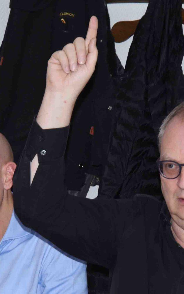 1. Geschäftsführer Aßhoff feiert Comeback nach Droste-Rücktritt