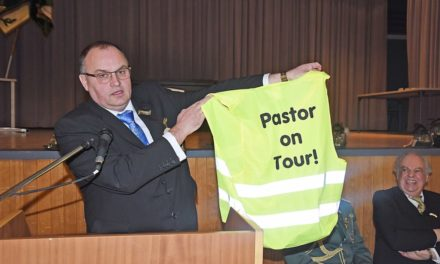"""Pastor im """"Gelben Trikot"""" on Tour"""
