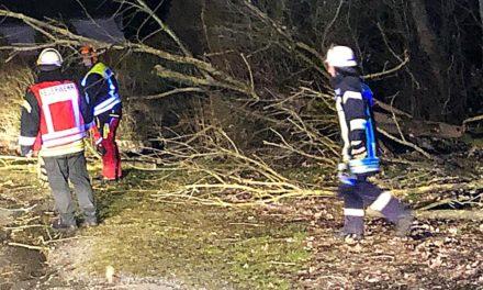 """EILMELDUNG: Sturmtief """"Victoria"""" sorgt für Alarmierung der Feuerwehr"""