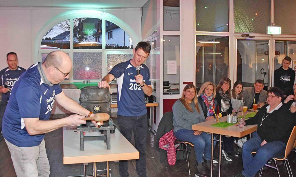 Kick-off-Party: Otmar Hermanns lobt Organisatoren