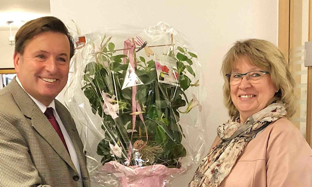 Christiane Anders-Fox feiert 25-jähriges Dienstjubiläum