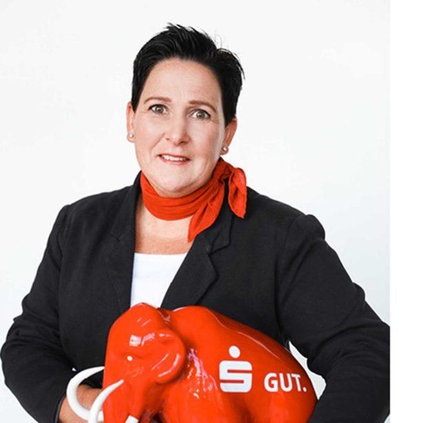EILMELDUNG: Sparkassen-Mitarbeiterin Kramer ist Heldin des Tages