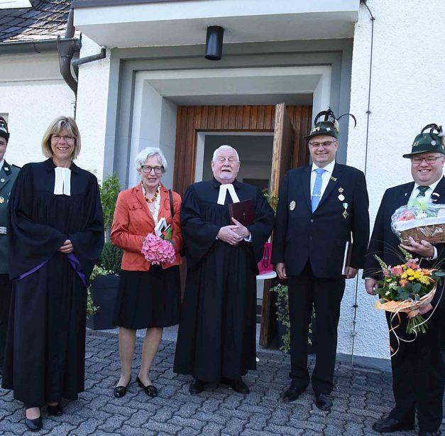Pfarrer i.R. Quadbeck: Würdige Ordinations-Jubiläum in Farbe
