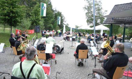 IMPRESSIONEN vom gemütlichen Beisammensein mit Schützenfestmusik