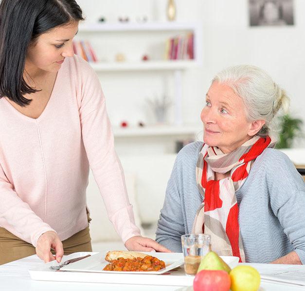 Online-Programm bietet Hilfe für pflegende Angehörige mit psychischen Belastungen im Märkischen Kreis