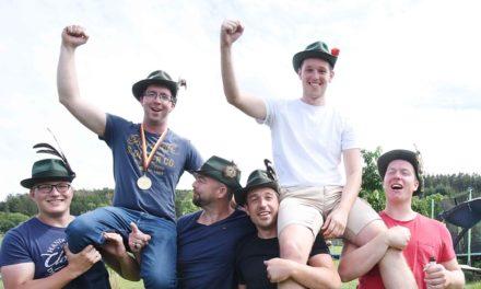 """Mellener feiern nach 137. Schuss ihren neuen """"Schützenkönig"""""""
