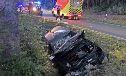HEUTE ABEND: Zwei junge Männer aus Mellen bei Unfall schwer verletzt – Hubschrauber im Einsatz
