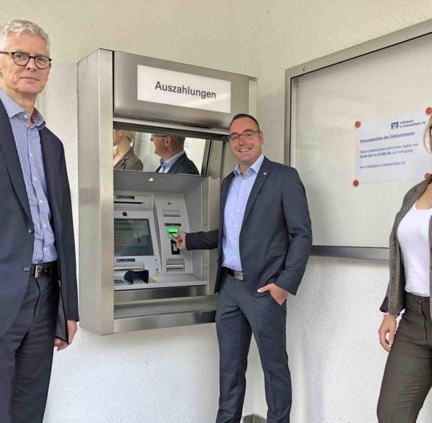 Nach fast einem Jahr steht Volksbank-Geldautomat in Ex-Filiale