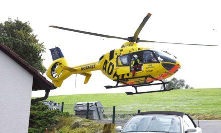 ADAC-Rettungshubschrauber fliegt Balverin in Spezialklinik