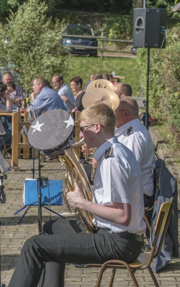 Open-Air-Konzert begeistert – Petrus meint es gut mit Musikverein Beckum