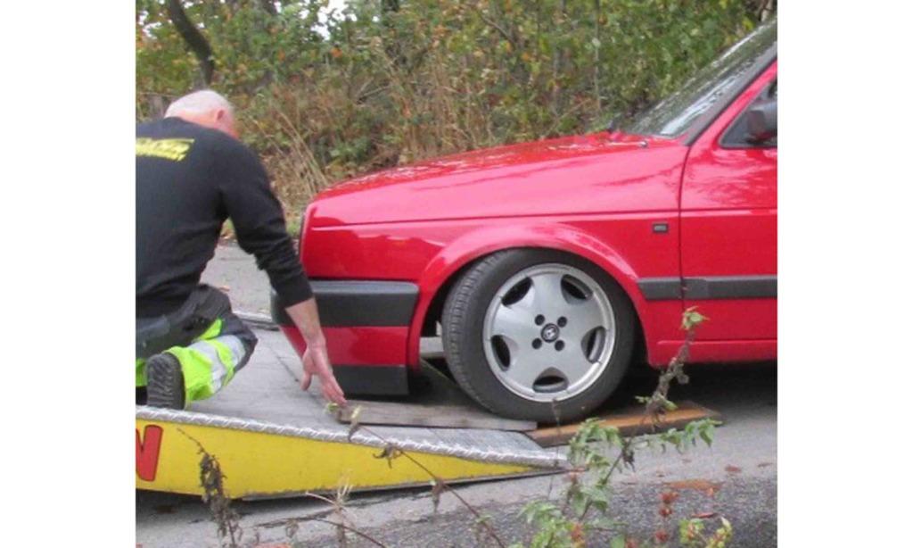 Dreister Pkw-Fahrer kommt ohne Führerschein zum Tuner-Treffen