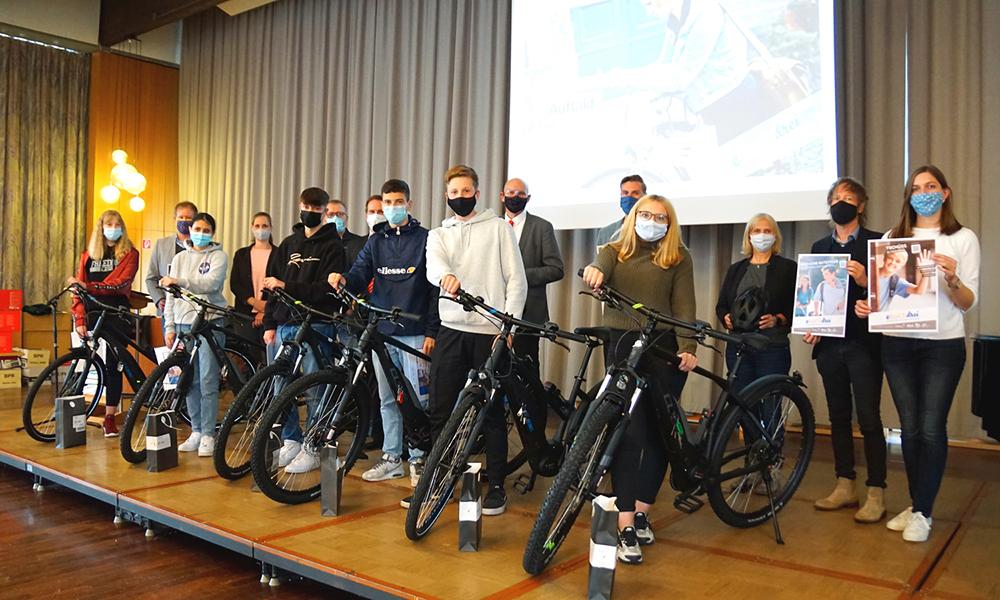 EINZIGARTIG: Projekt_e_hoch_drei gestartet – Kostenlose E-Bikes für Schüler