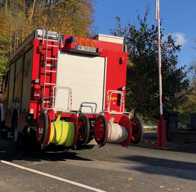 Lagerfeuer mobilisiert Feuerwehrkameraden