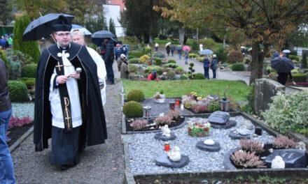 Allerheiligen: Maskenzwang für Friedhofsbesucher