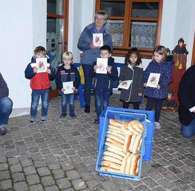 Schützenbruderschaft erfreut 400 Balver Kinder mit Brezeln – Unmut beim Vorstand